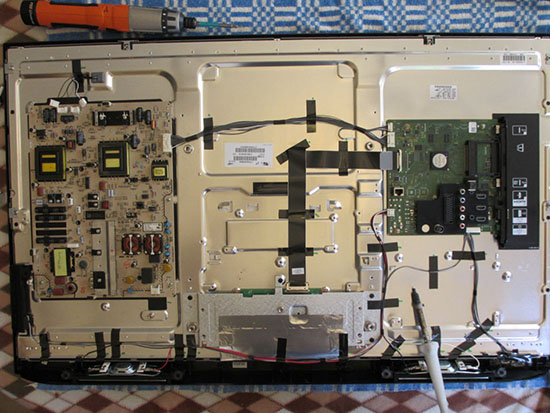 Sửa tivi Toshiba bị hỏng màn hình uy tín
